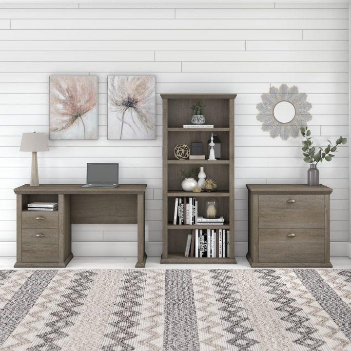 Yorktown Collection Desk Set